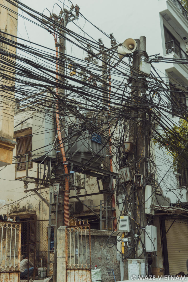 The tangle of electrical wires in Hanoi - A Nightmare for ...